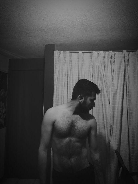 Today's Hot Look Beardman Hairyman Shirtless AfterShower Nudesmen Nakedmen Bisexuality