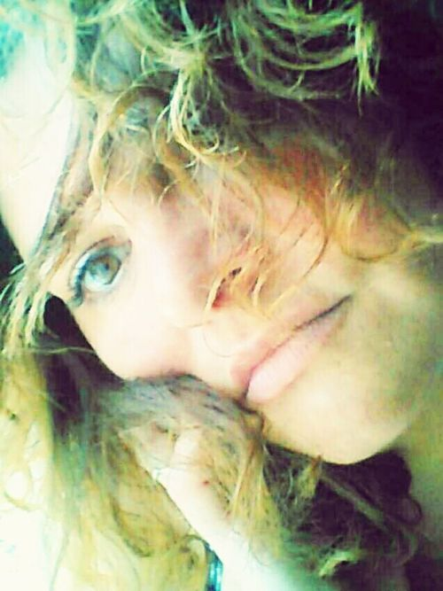 Goooood nigtttttt😘 Good Vibes✌ Womanportrait Today:-) Just For Fun Happiness Eyes Are Soul Reflection Enjoying Life For My Friends That Connect Just Me Selfportrait Womanwithcurves Nicedreamslonesomelover