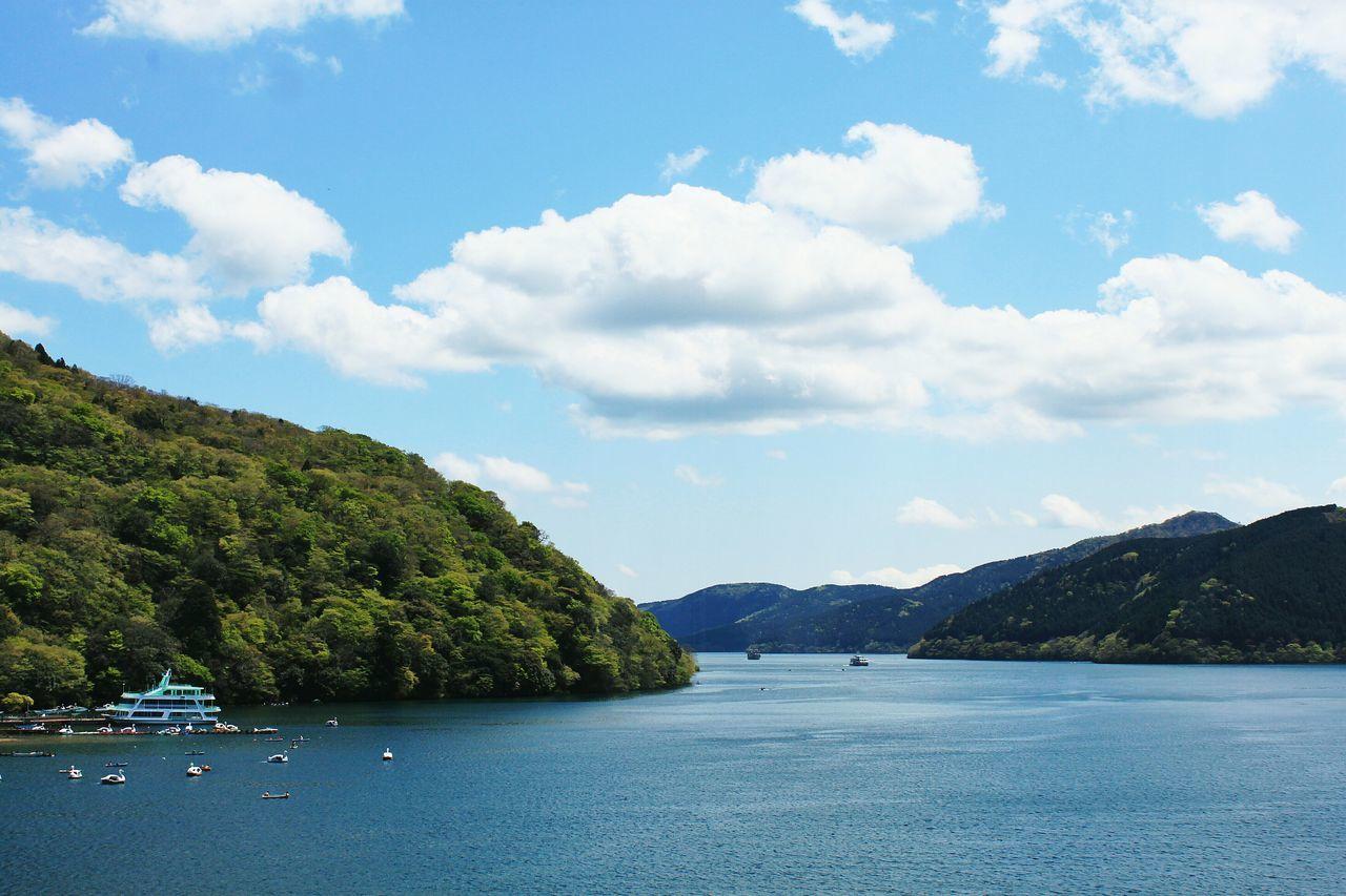 Enjoying the nice weather at Hakone. Holiday Travel Photography Traveling Hakone Japan Blue Sky Landscape Just Around The Corner Turquoise By Motorola Cobalt Blue By Motorola