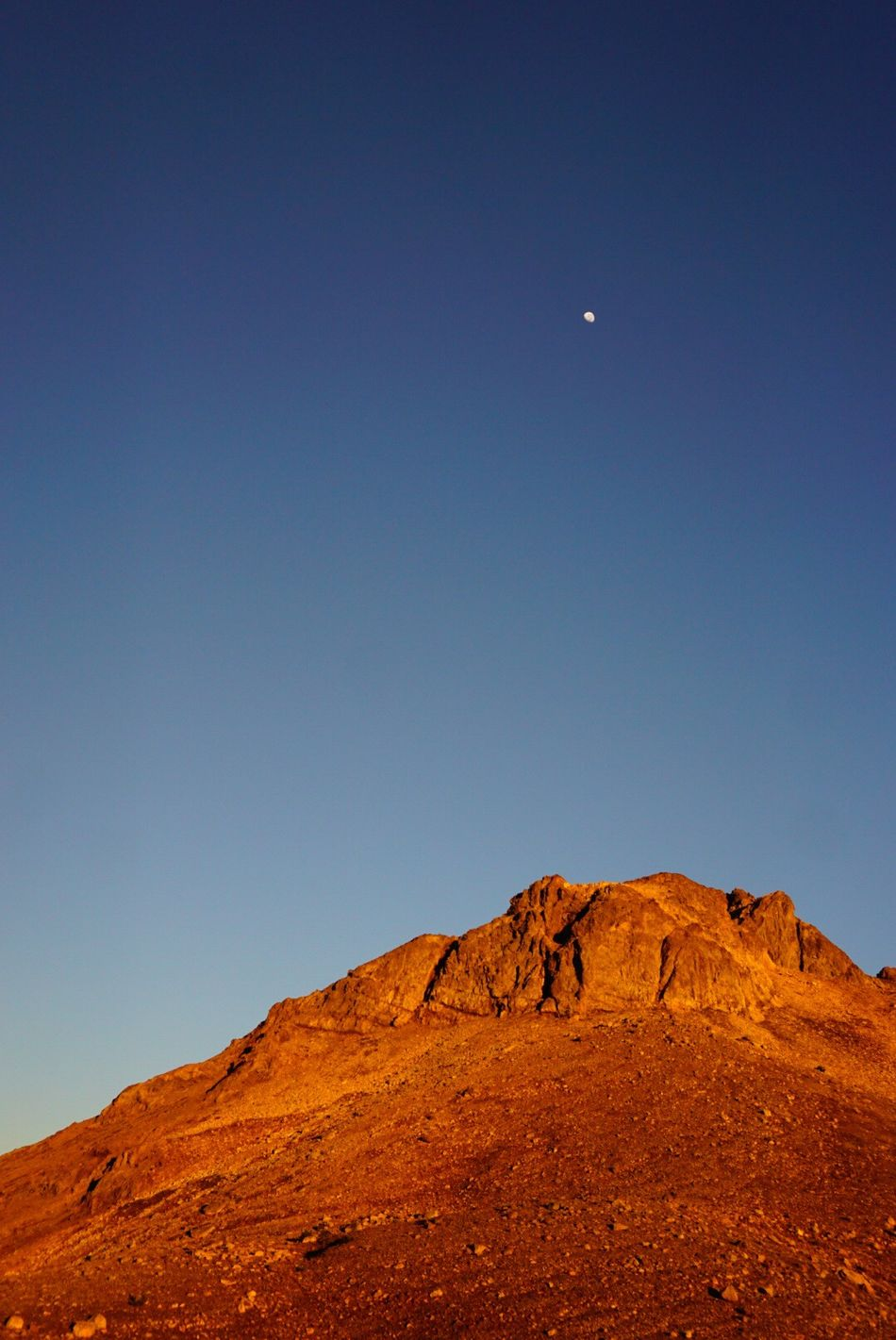 Life on Mars Moon Outdoors Landscape Mountain Low Angle View Beauty In Nature Physical Geography Sunrise Scenics Nature Astronomy Clear Sky Geology Arid Climate Eye4photography  Nature EyeEm Nature Lover El Bolson Argentina No People