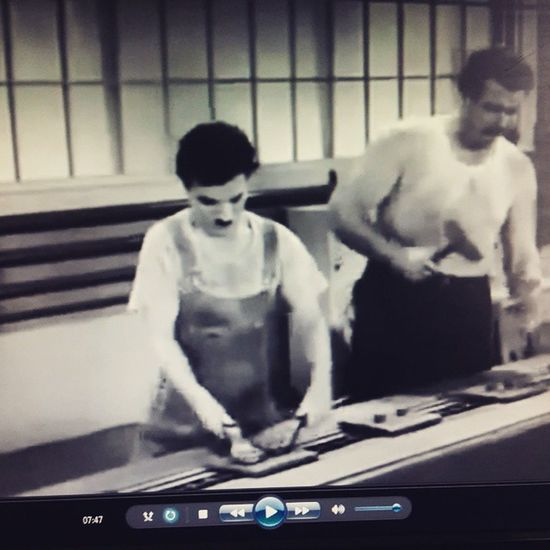 Diversão/ pesquisa😉😉 MOVIE Love Chaplin Industria Filme TemposModernos Genio Cultura Comédia Instagood Goodmovie Good