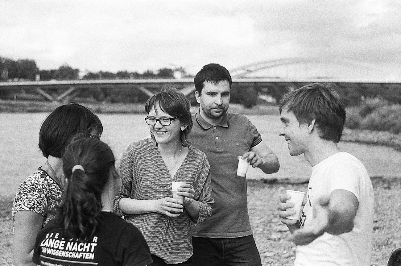 A picnic on Elbe. 35 Mm Film Analogue Photography Black And White Day Enjoyment Film Photography Friendship Fun Happiness Leisure Activity Outdoors Photographing Photography Themes Schwarzweiß Togetherness Helios 44-2 Grain People And Places Monochrome Photography Enjoy The New Normal