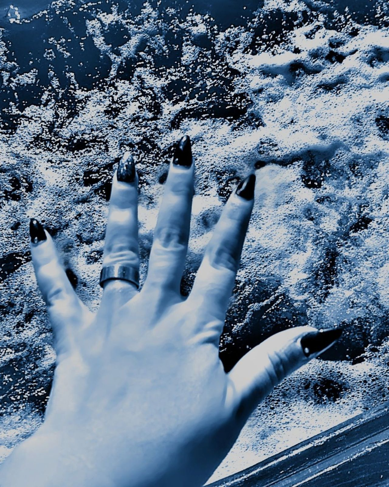 Human Hand Human Body Part Cold Temperature Close-up People Winter Togetherness Day Outdoors Adults Only Nature Adult Myhand Water Nature Myrivercottage Washing Sailing Ship Tranquil Scene River Collection Beauty In Nature Oporto Downtown Nautical Vessel Ropes Boats Boat Deck