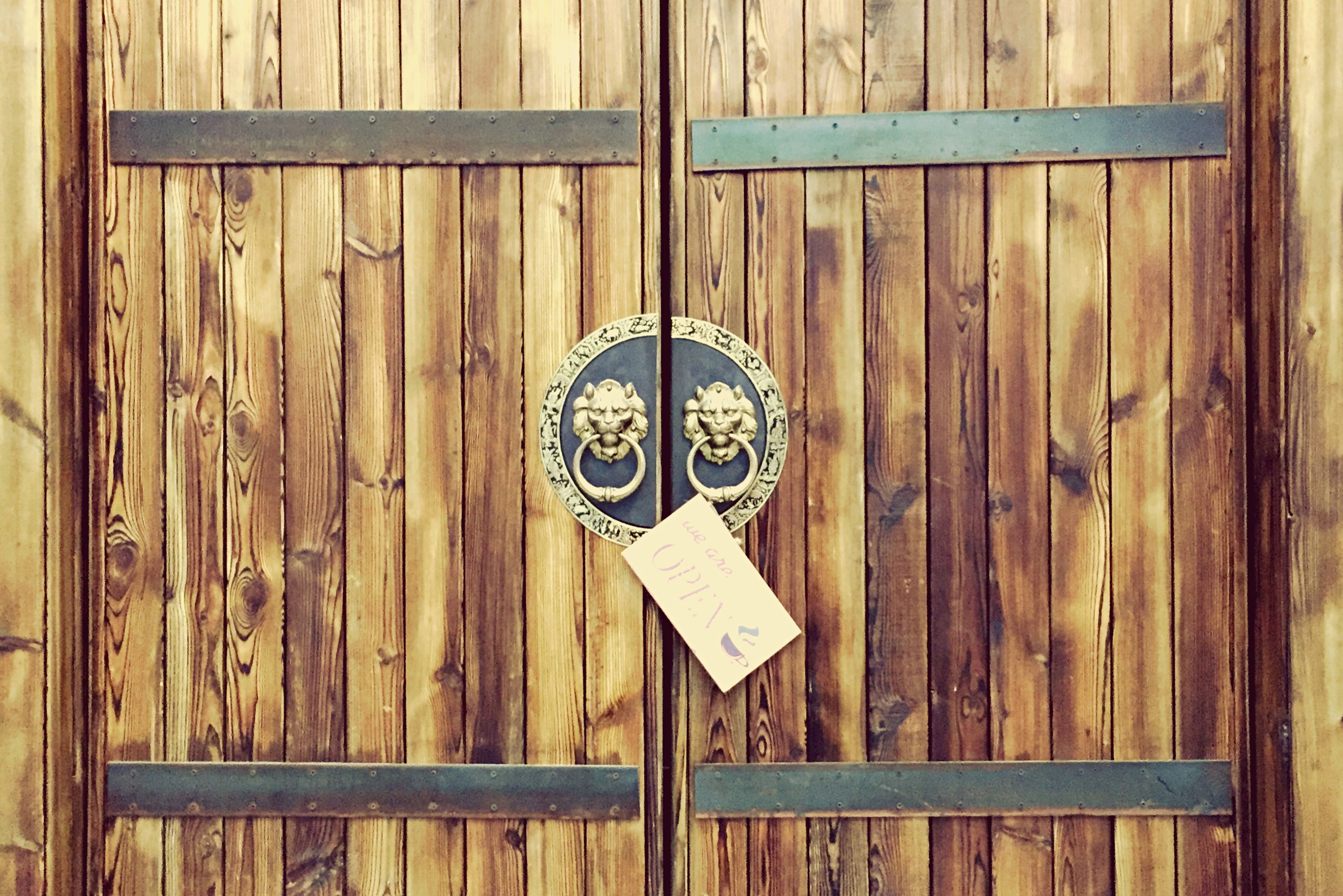 wood - material, wooden, indoors, door, old-fashioned, wood, close-up, metal, still life, old, wall - building feature, closed, no people, hanging, safety, table, antique, full frame, communication, day
