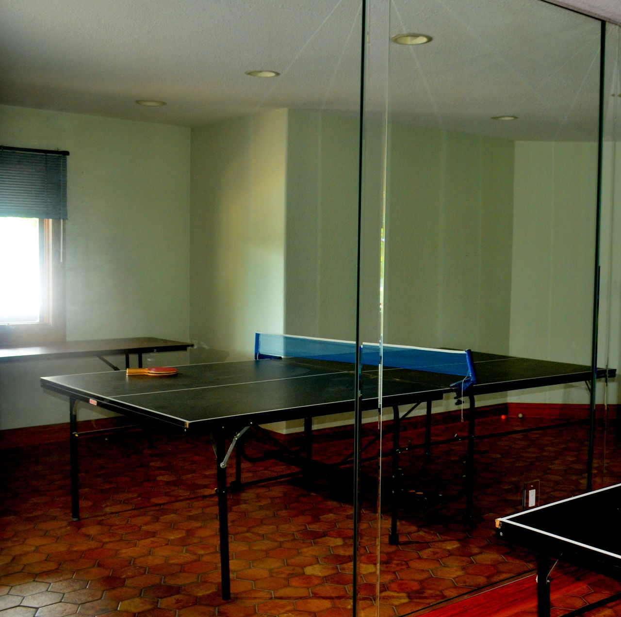 empty, absence, indoors, table, no people, modern