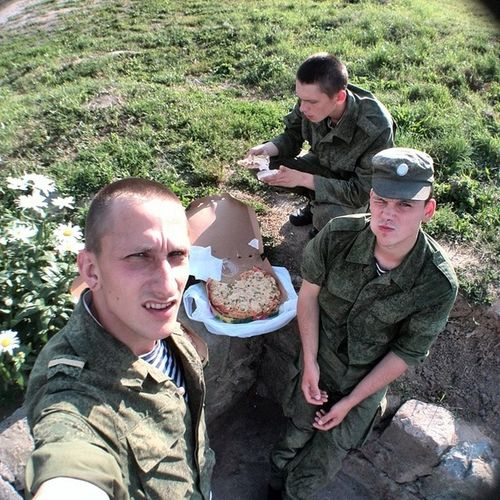 Спасибо за пицуху @asosnovskij Pizza Army Chillsnotskills Friends