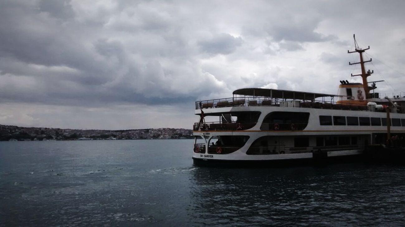 🌊🌊☁Boğaz Deniz Istanbul Turkey Sea And Sky Gökyüzü❄⛄🎑 Vapur Vapur Ve İstanbul