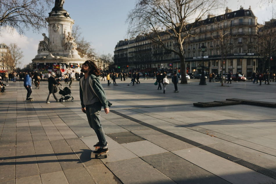 Cliché parisien - freedom is life (day 65) (Winter legacy, March 2016, Paris, Place de la République) Urban Playground Cliché Parisien Street Photography Streetphotography Urbanity VSCO Parisian Cliché Urban Life Urban Lifestyle Showcase March Portrait Of People Storytelling Skateboarding Skateboarder My Fuckin Paris Getting Inspired Place De La République Memepaspeur! Fluctuat Nec Mergitur The Street Photographer - 2016 EyeEm Awards Feel The Journey Adventure Club Colour Of Life People And Places My Year My View