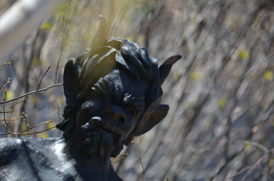 Depth Of Field Focus On Foreground High Line Park New York Out For A Walk Park Satyr Sculpture Selective Focus Spring