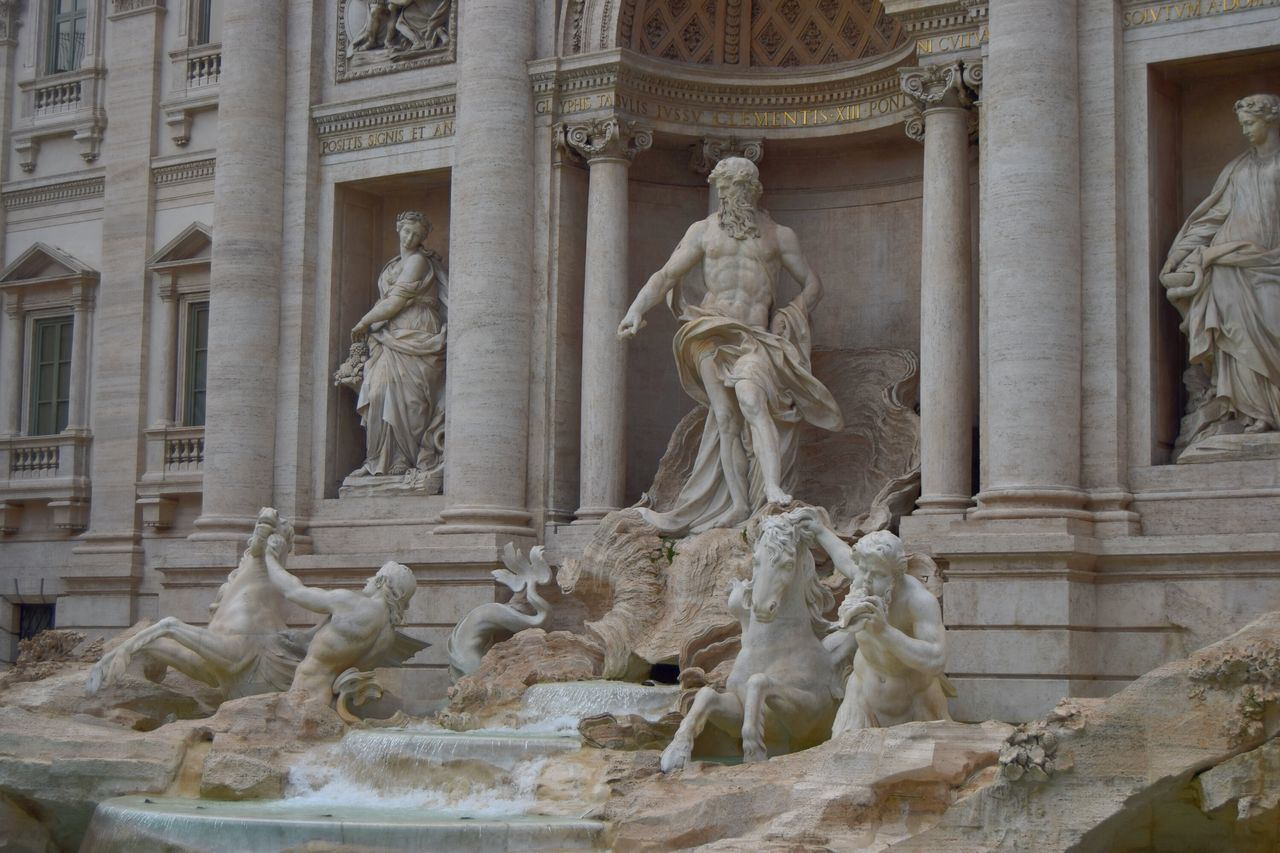 Roma Rome Italy🇮🇹 Newtalent The Week Of Eyeem Streetphotography Walk Exploring Photography Photooftheday Photographer Picoftheday Center Famous Place White Marmol Sculpture Sculpture Mastery Human Representation Statue Art And Craft Outdoors Creativity Fontana Di Trevi Fountain_collection