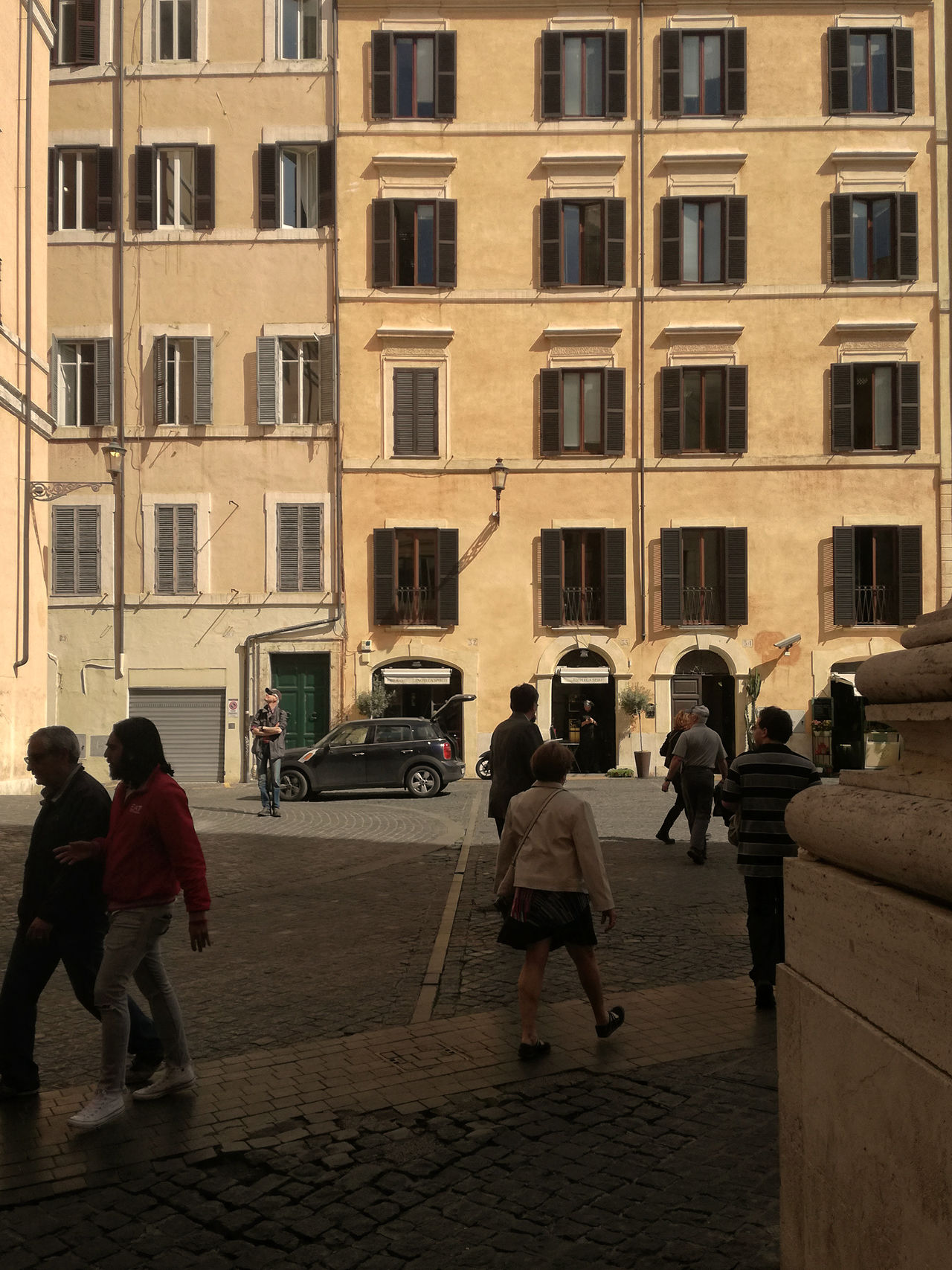 Adult Architecture Building Exterior Built Structure City Day Large Group Of People Leisure Activity Lifestyles Men Outdoors People Piazza Di Pietra Real People Street Walking Women