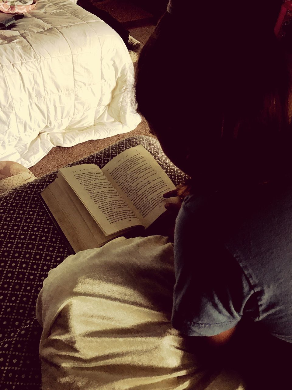 book, indoors, real people, sitting, bed, newspaper, men, day, close-up, one person, people