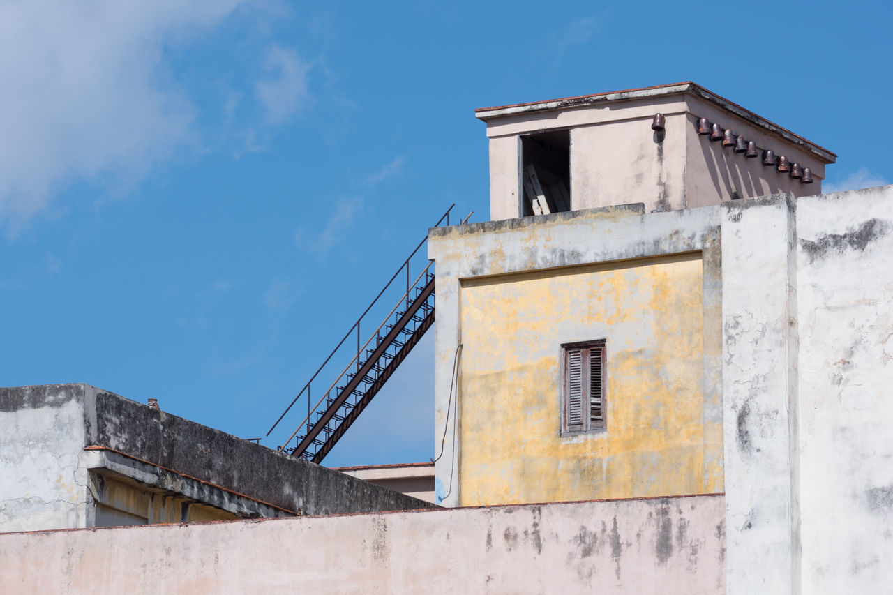 Cuban Roof Clouds And Sky Construction Contrast Cuba Cuba Collection Cube Low Angle View Remote Roof Travelling Photography