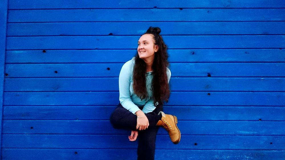 Blue Girl Outomn Beauty In Nature Beautiful EyeEm Selects Only Young Women Wood - Material Young Adult Smiling People Fashion Outdoors One Young Woman Only Young Women Happiness One Person Day Cheerful One Woman Only Athlete