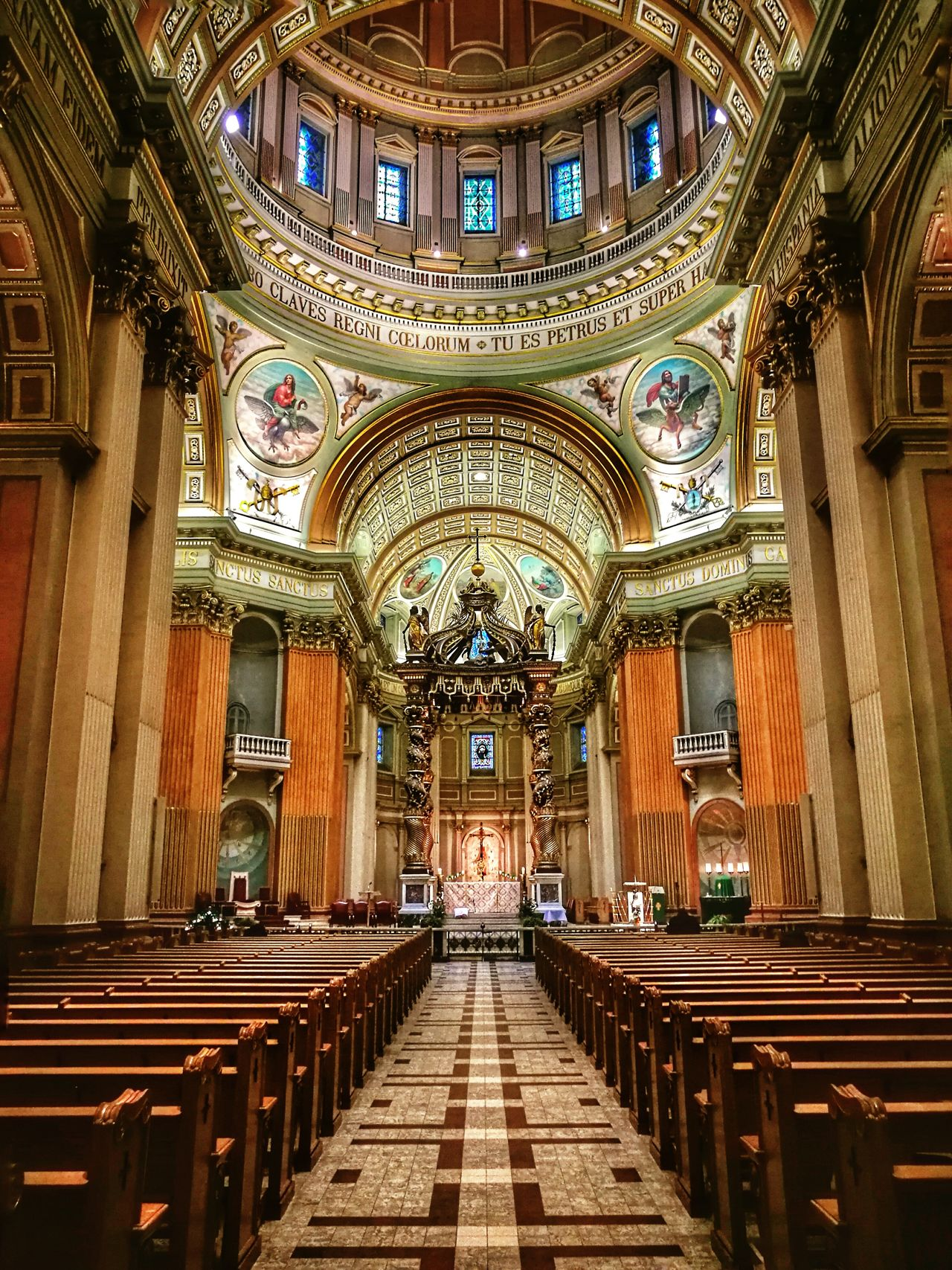 Mary Queen of the world cathedral, Montreal, Canada, QC Architectural Column Travel Destinations Architecture Indoors  Place Of Worship Religion Arch No People Cathedral Montréal Canada Photos HuaweiP9 Huaweiphotography Illuminated Architecture Built Structure Scenics Window Merry Queen Of The World Catherdral Cathedrale Cathedralenotredame