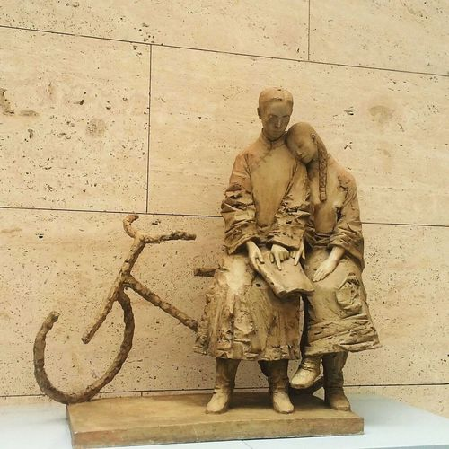Statue Art Museum Chinese Students in the old time Pure Fall In Love Bicycle
