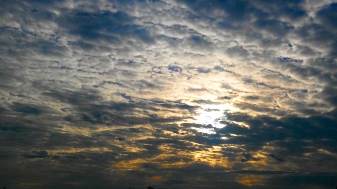 Cellphonepics Photos At 50 Morning Light Crazyclouds Lookupitsbeautiful Federalwaywashington