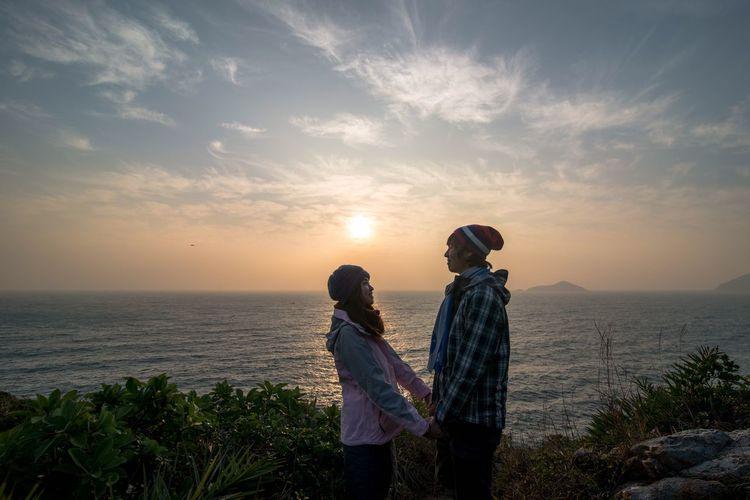 Nikon Naturelovers EyeEm Nature Lover The Great Outdoors - 2015 EyeEm Awards Hiking Nature Photography Couple HongKong Hong Kong Nature Sunrise New Year Around The World