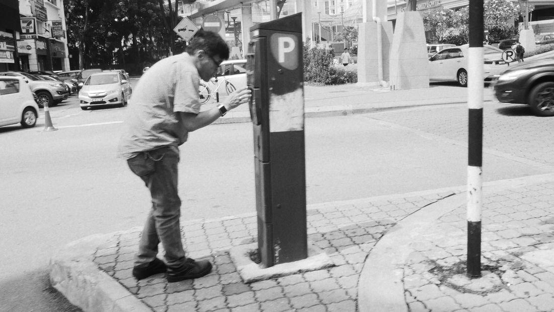 Fiddling Parking Ticket Monochrome Streetphotography Posture Life