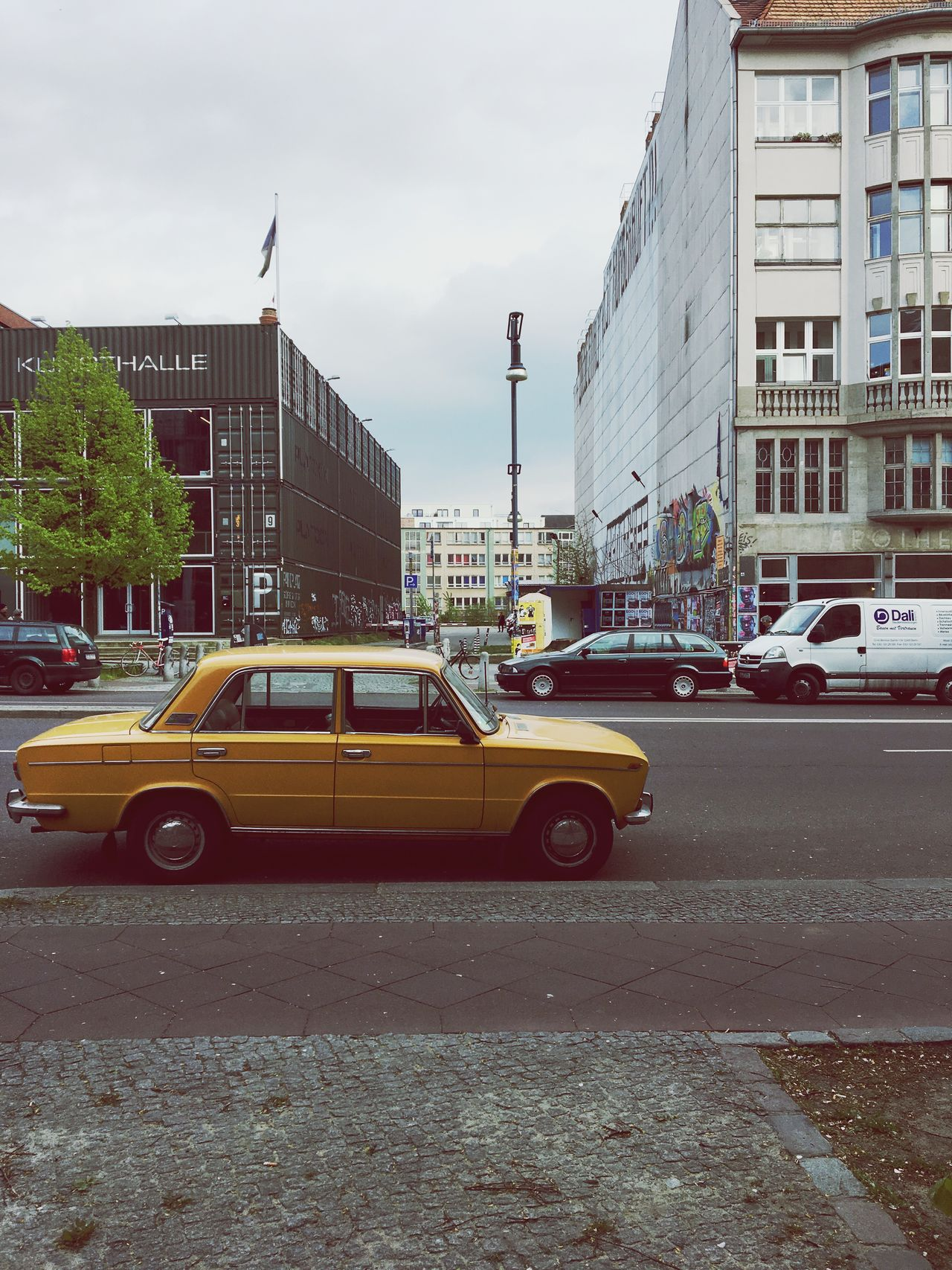 Berlin Schönhauser Allee Schönhauserallee Berlin Mitte Temporary  Gentrification Gentrifizierung Yellow Car Vintage Cars Back In The 80' ? Btw it's Cinematographic Late Afternoon Light Late Afternoon Kunsthalle Container Building Neighborhood Map