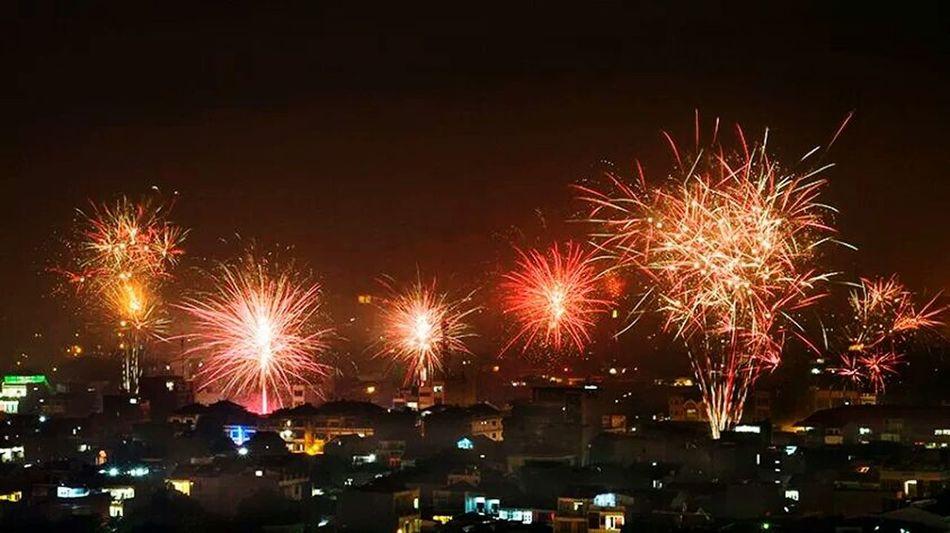 New Year party Nightphotography EyeEm Gallery Nightshot New Year's Eve Fireworks