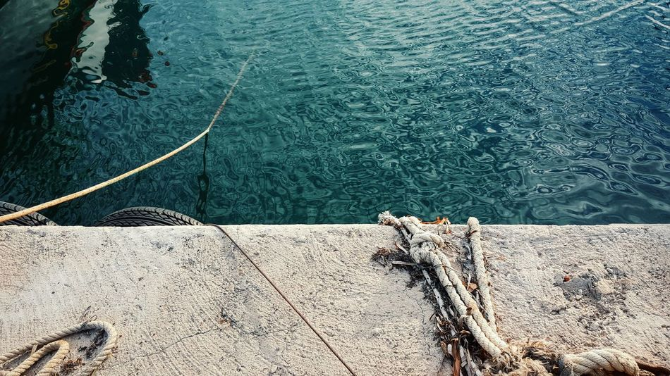 Ropes Seaside At The Port View From Above Textures And Surfaces Still Life StillLifePhotography Grunge GrungeStyle Grunge It Up Simple Photography Simplicity Water Reflections Seawater Saltiness