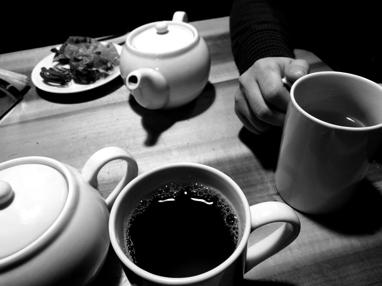 Tea - Hot Drink Tea Cup Teapot Indoors  Food And Drink Tea Tea Time First Eyeem Photo Blackandwhite Black And White Black & White Blackandwhite Photography Black&white EyeEmNewHere