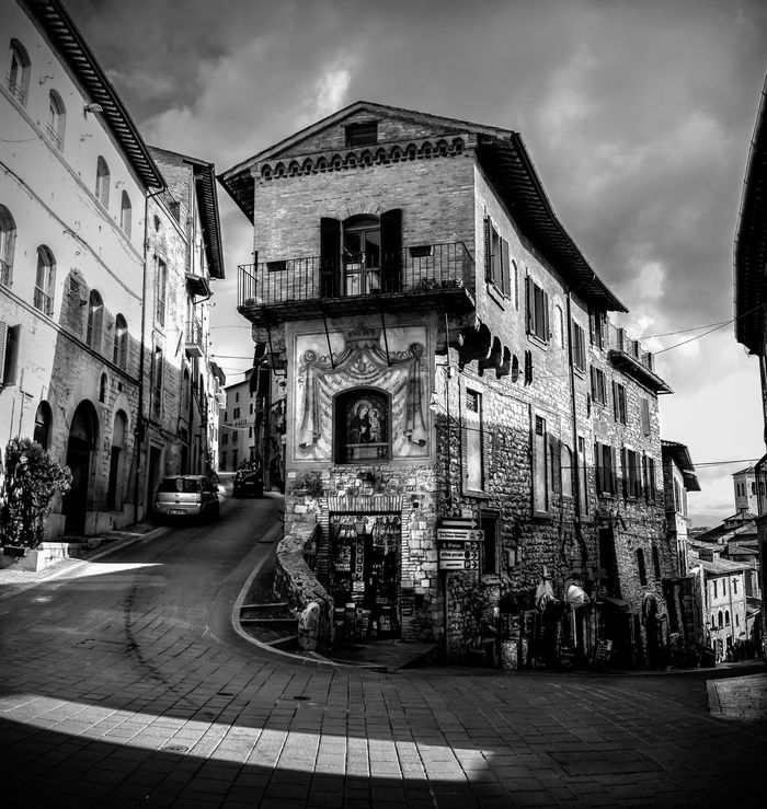Calles de Assisi Architecture Asis Assisi, Italy Building Exterior Built Structure City Cloud - Sky Day Outdoors Religion Sky Travel Destinations