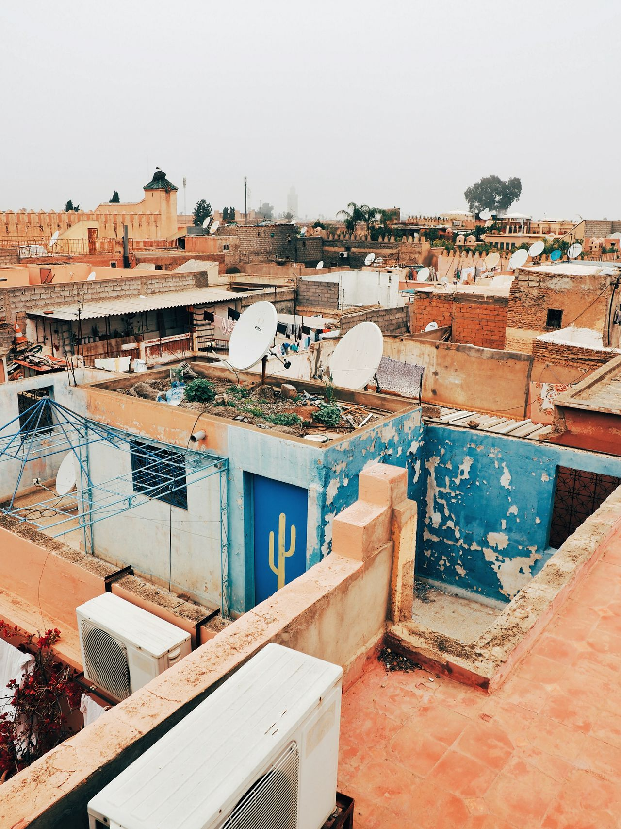 No People Architecture Sky Day Marrakech Morocco Medina Medina Marrakech Marrakech Morocco Architecture_collection Africa Urban Density Urban Living Urban Architecture Developing Country Architectural Style Structure Structures And Architecture Satellite Dishes