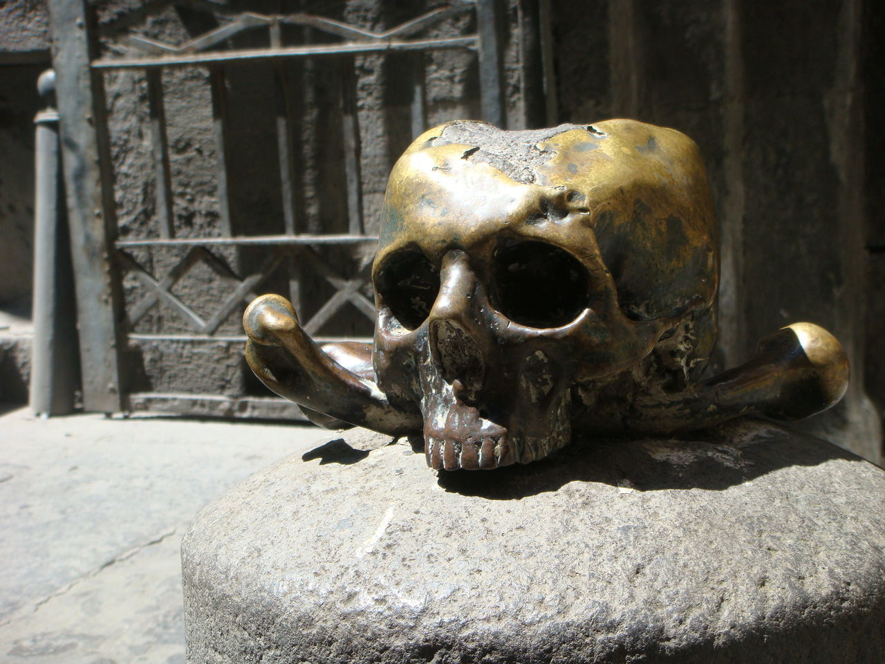 Bronze Statue Day Naples, Italy No People Outdoors Sculpture Skull Sunny Day