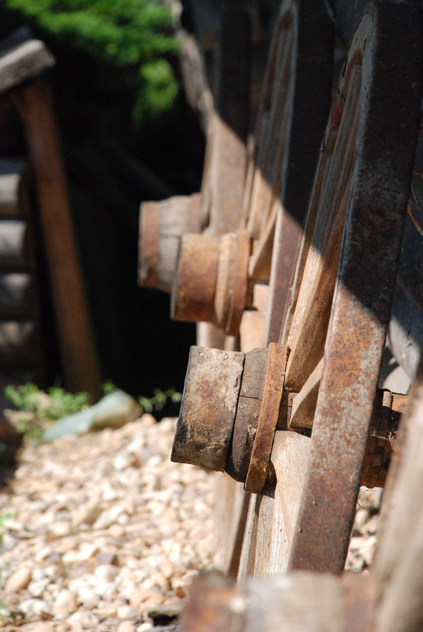 metal, no people, rusty, machinery, day, close-up, outdoors, manufacturing equipment