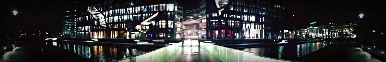 Kö-Bogen Düsseldorf Bei Nacht Architektur Tausendfüssler Maxipanorama