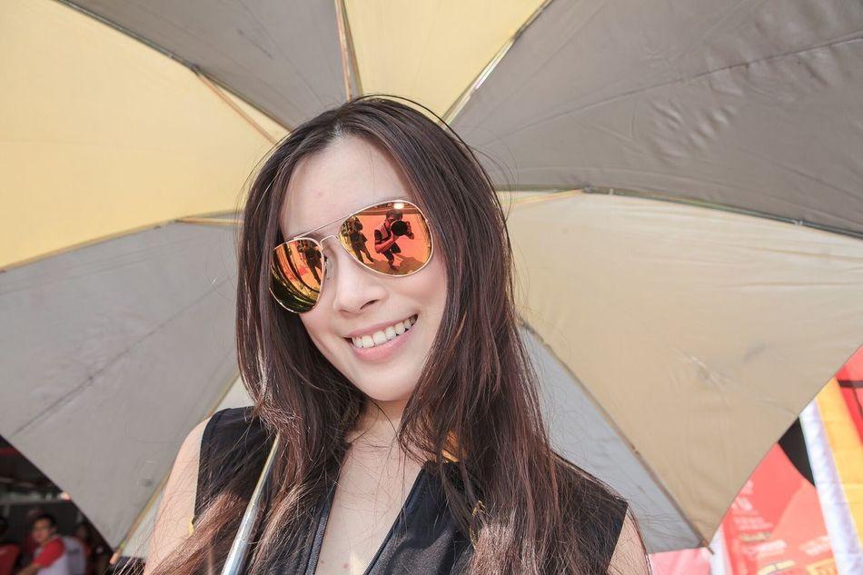 看自己 Enjoying Life People Watching Hey✌ Beautiful Girl Showtime Sunglasses Sun That's Me It's Me Juicy Girl