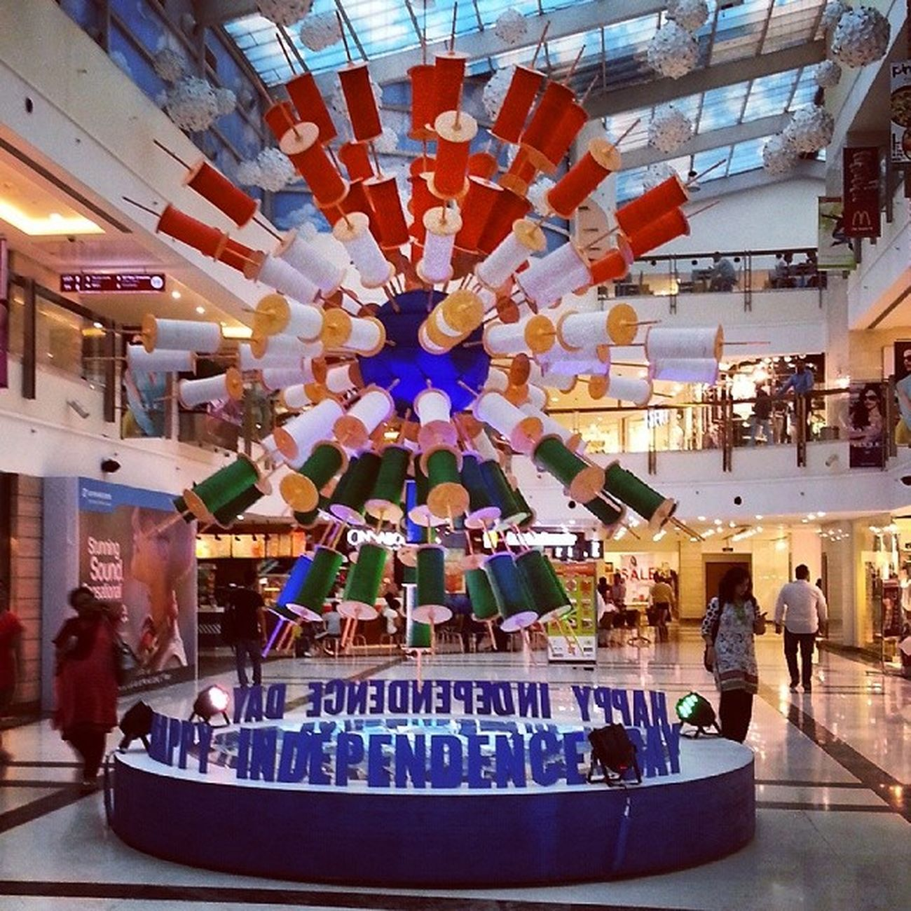 Happy independence day India 15thaugust Delhi Dlfsaket Selectcitywalk Saket Independenceday Celebrationday Celeberation Kites Party Enjoy Food Goodmorning