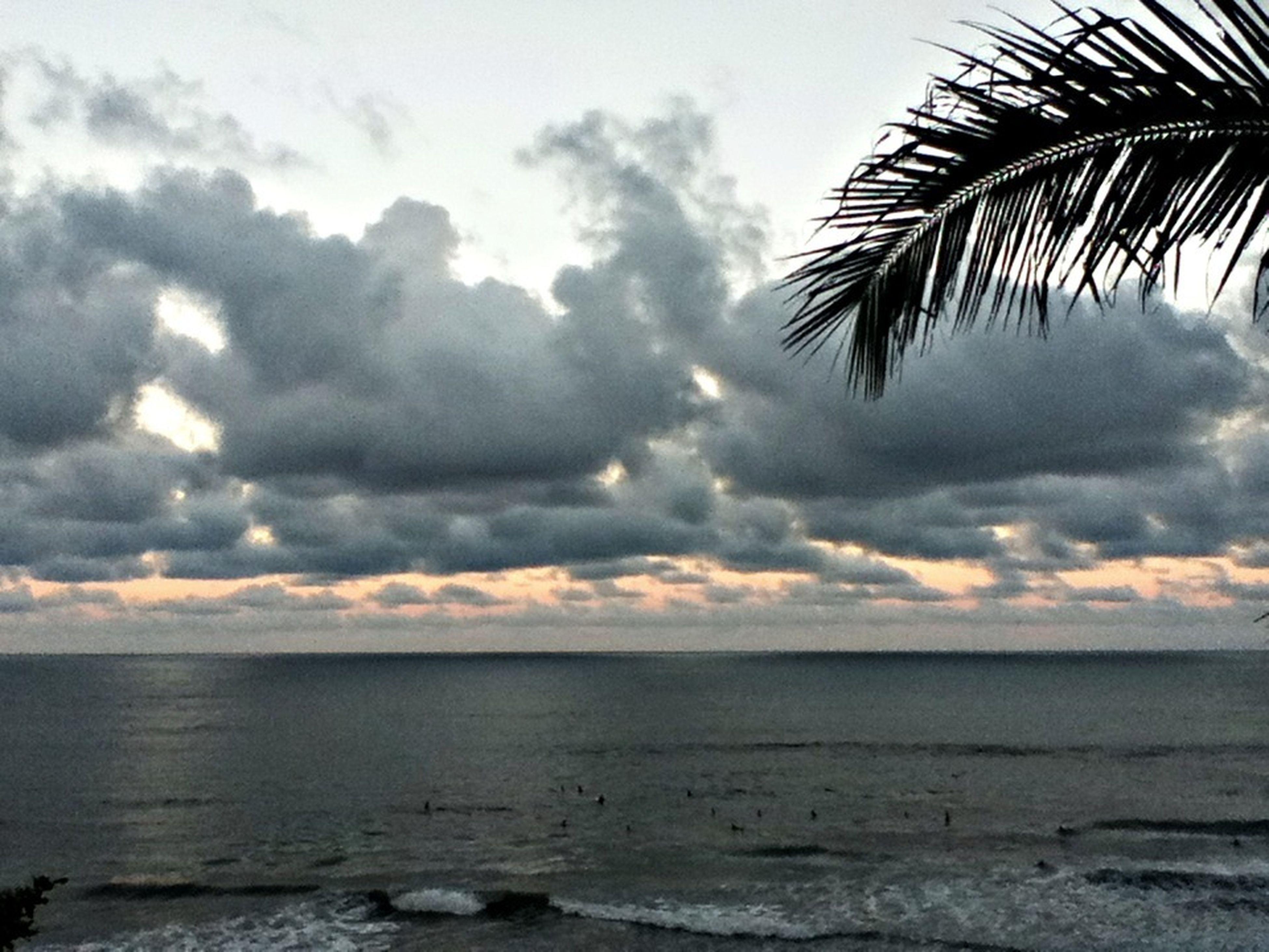 Honoli'i surf and sunset