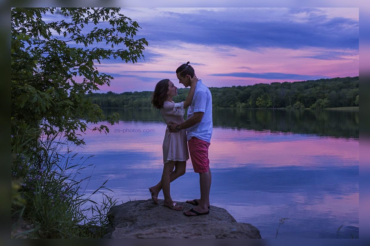 Blue Hour at the lake. Engagement People Bluehour Zsphotos