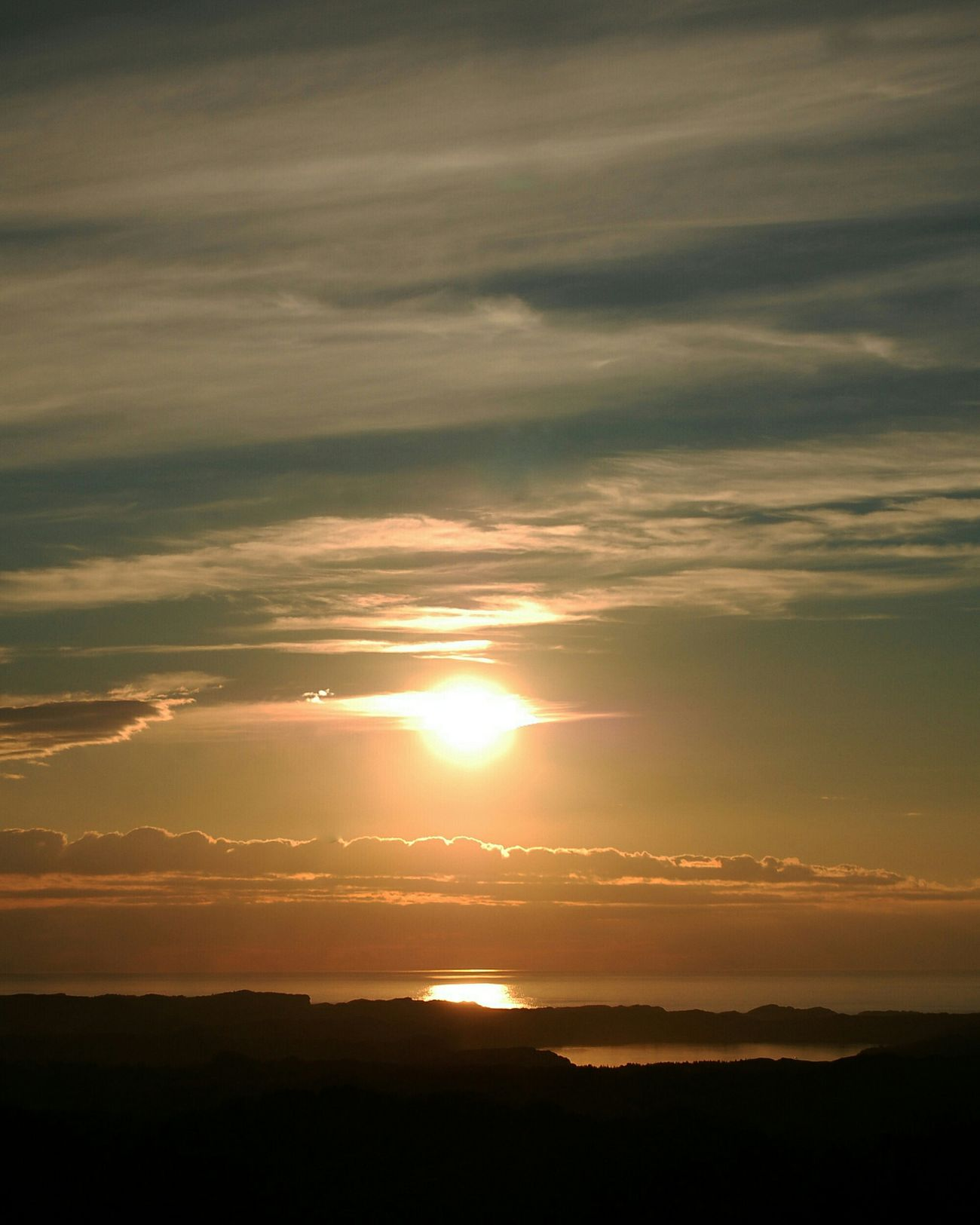 Sunset Nature Beauty In Nature Sky Dramatic Sky No People Outdoors Cloud - Sky Norway Norge Sotra Pink Sky Perfect Sky Fjell Festning Hiking Ut På Tur Ut På Tur Aldrig Sur Sol Sun Sea Sea And Sky