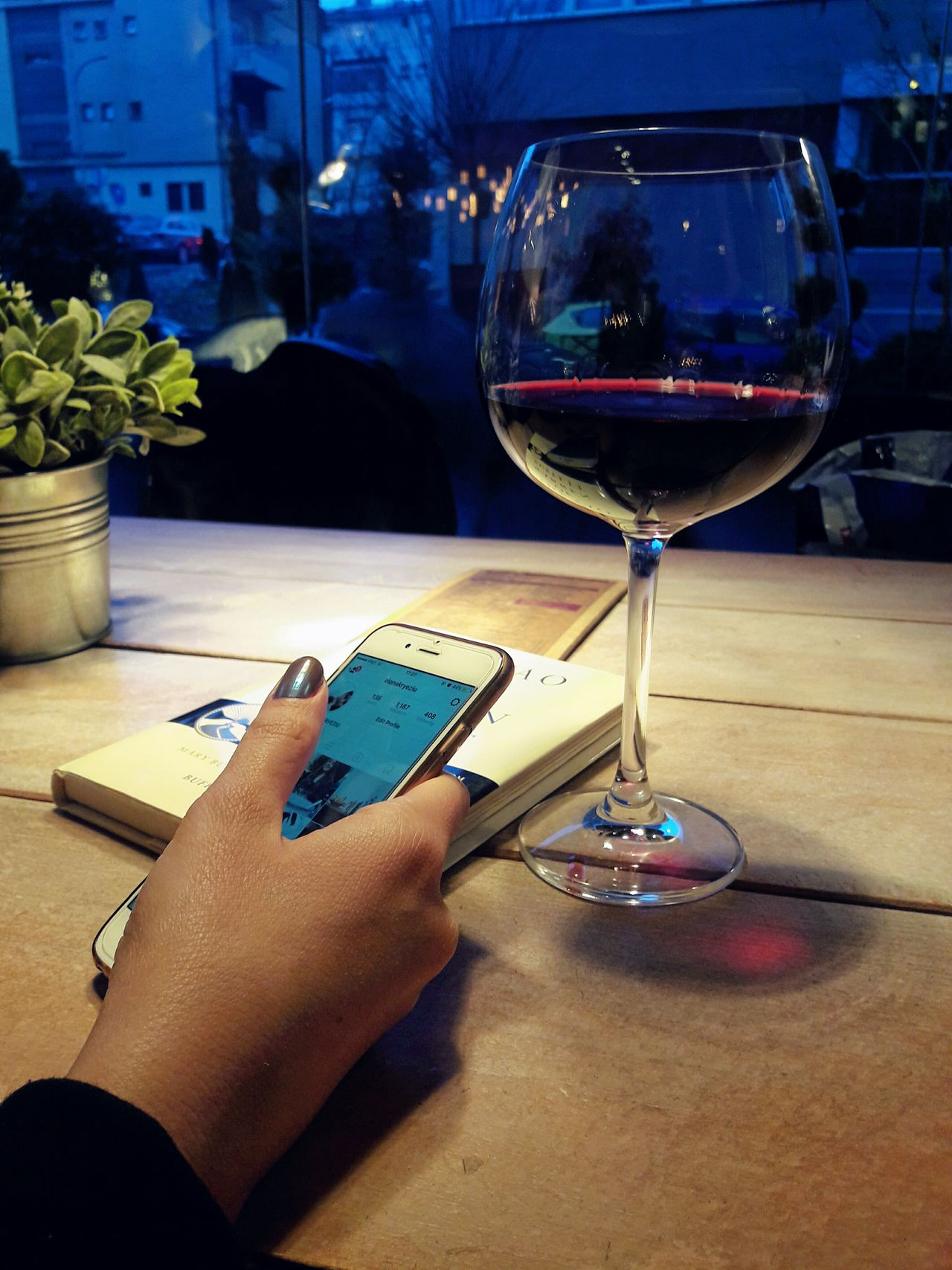 Human Hand Holding Drink Food And Drink Alcohol Lifestyles Drinking Glass Wine Indoors  People Bookstagram Books VSCO PRISHTINA Vscokosova Point Of View Mobile Phone Mobile Conversations Mobile Conversations