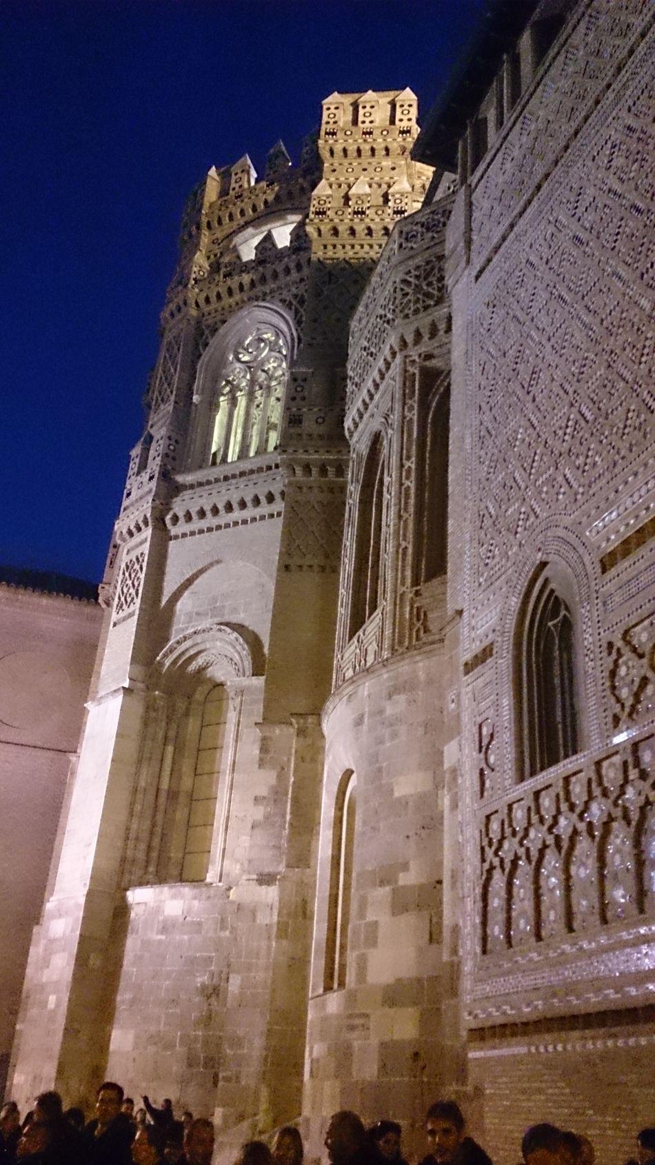 Un Lateral de la Fachada de la Catedral de La Seo