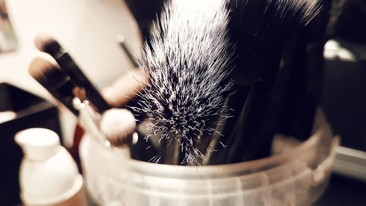Brushes Brush Makeup Make Magic Happen Makeupartist Closeupshot Close-up Indoors  Indoors  Magic Details Of My Life Beautiful Artificial Artistic ArtInMyLife Check This Out Beauty In Ordinary Things Joy Of Life Table Motivation Blackandwhite Photography Helloworld Cold Temperature Artistic Photo Day