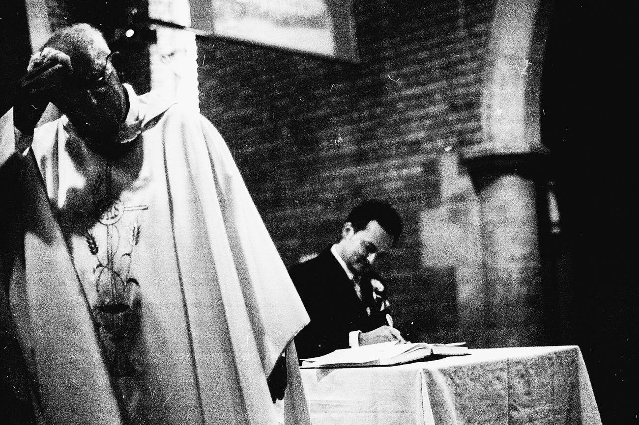 Wedding Black And White Film Nikon Nikon FE Analog 35mm Film Neopan Neopan 1600 Funny Priest Ceremony Hot Day Work Groomsman