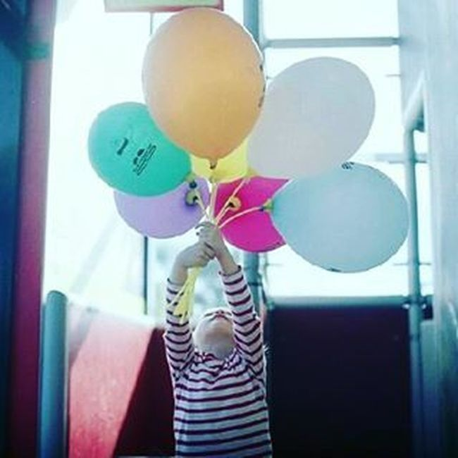 Flying away. Metaxourgeio μεταξουργείο Balloons ίριδα Mylove MyGIRL Flyingaway Children Childrenlove Purelove Coloursareeverywhere Colourful Stripes Sunnyday Sunnyvibes HappyMood Photooftheday VSCO Vscocam Vscolove Vscogreece Vscoathens Vscoafternoons Vscoaddict Instagreece instamood instaathens instalifo