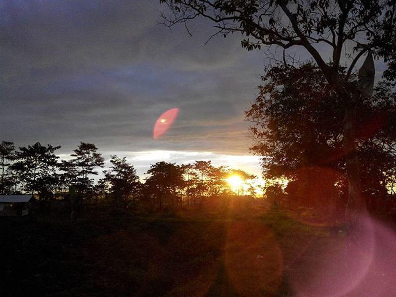 selamat Pagi dari Linggarjati Monumenpersaudaraan bersama Besitua CB100 Kuninganjabar Cirebon  Lenovotography Pocketphotography Photooftheday Nature Sunrise Lzybstrd Photostory Classicbike Onroad