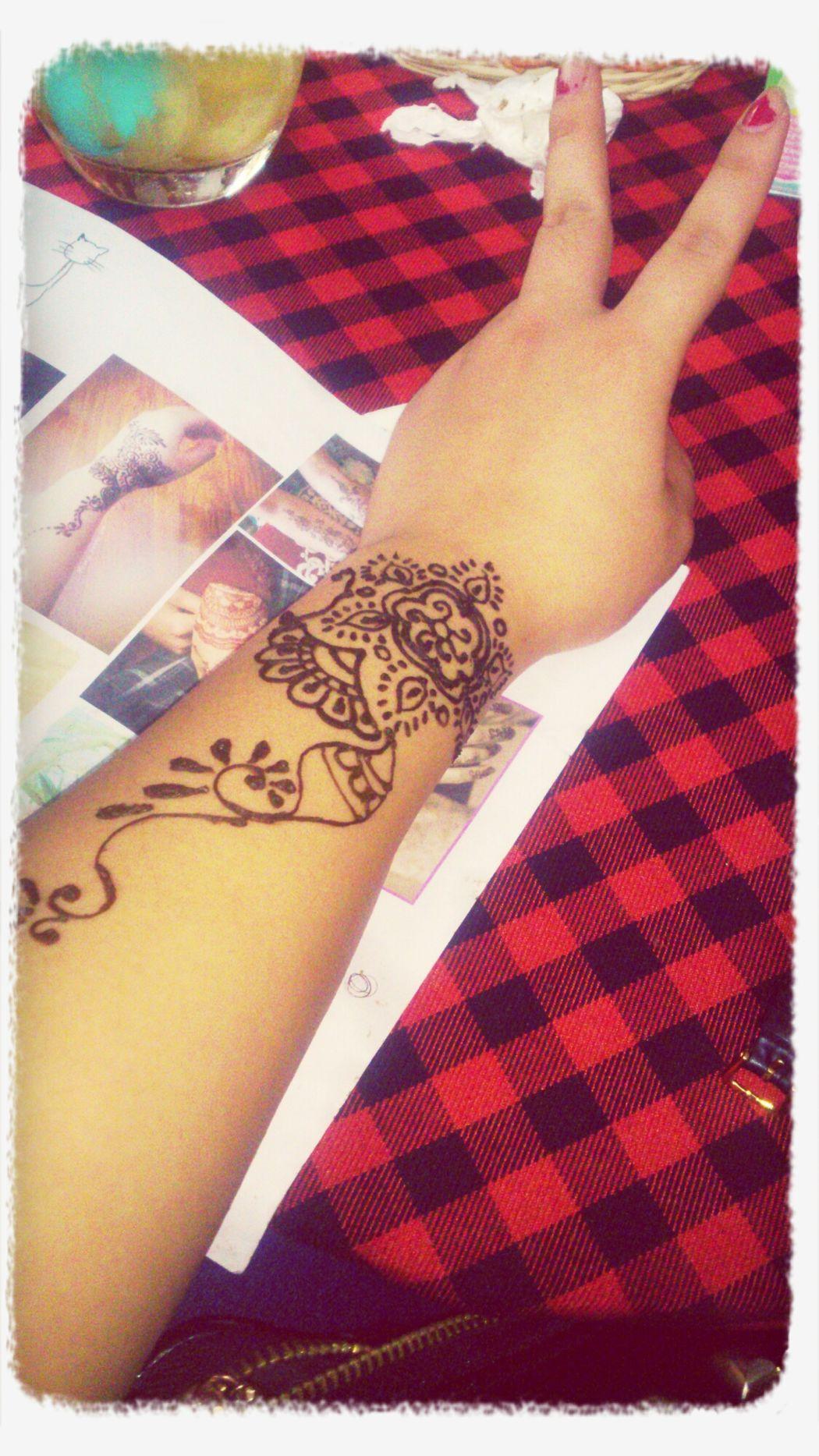 henna tatoo, tay bếu quá đi