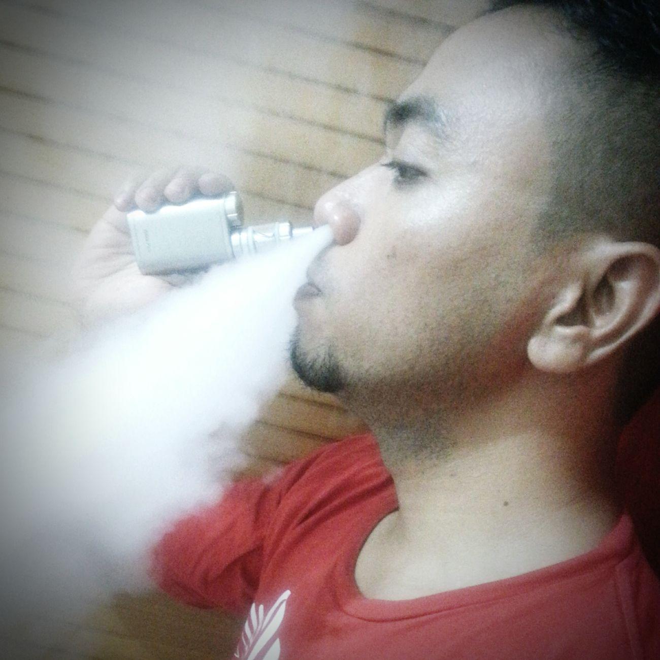 Electric Cigarette Lovehusband Lifestyles Vapecommunity Vaper Vapesociety