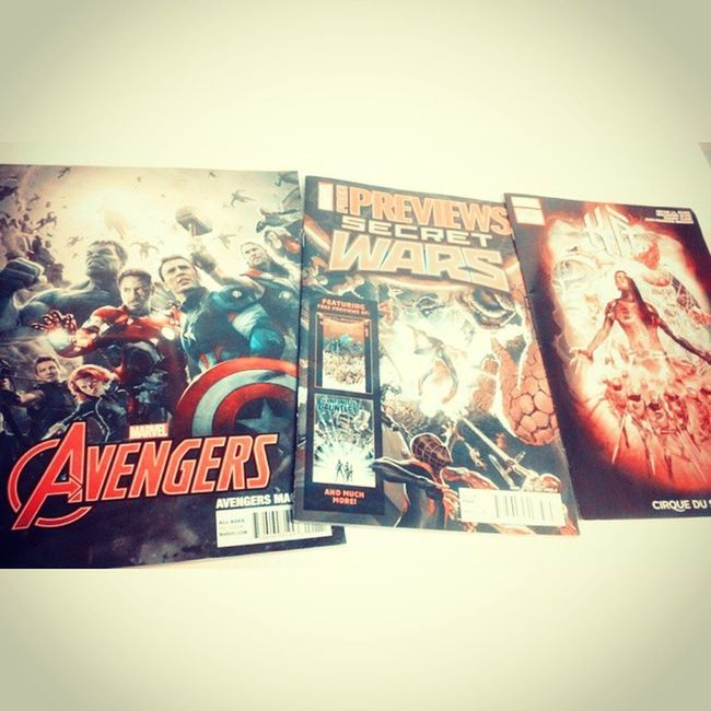 Got these today from my comic store pretty awsome Avengers Ageogultron Secretwars Magazine Geekyman Prettyhappy Avengers2 Freecomics Marvel Mcu