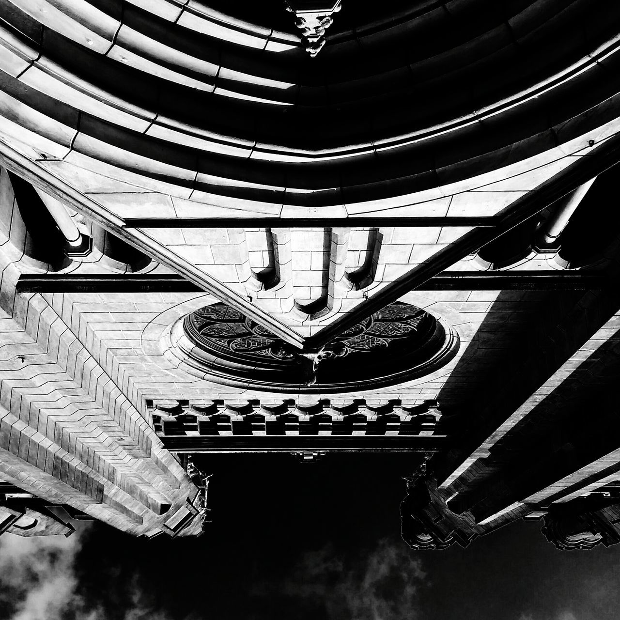 Oblivion Low Angle View Architecture Blackandwhite Architectural Detail Architectural Blackandwhite Photography Urban Geometry Architecture_bw Blackandwhitephotography Architecture Photography Diminishing Perspective Architectural Feature Mobilephotography Geometric Shape Urbanphotography Architecture_collection Silhouette