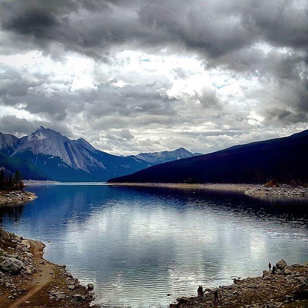MedicineLake Jasper Scenic Frameit Canadianrockies Picturesque Serenity Canada