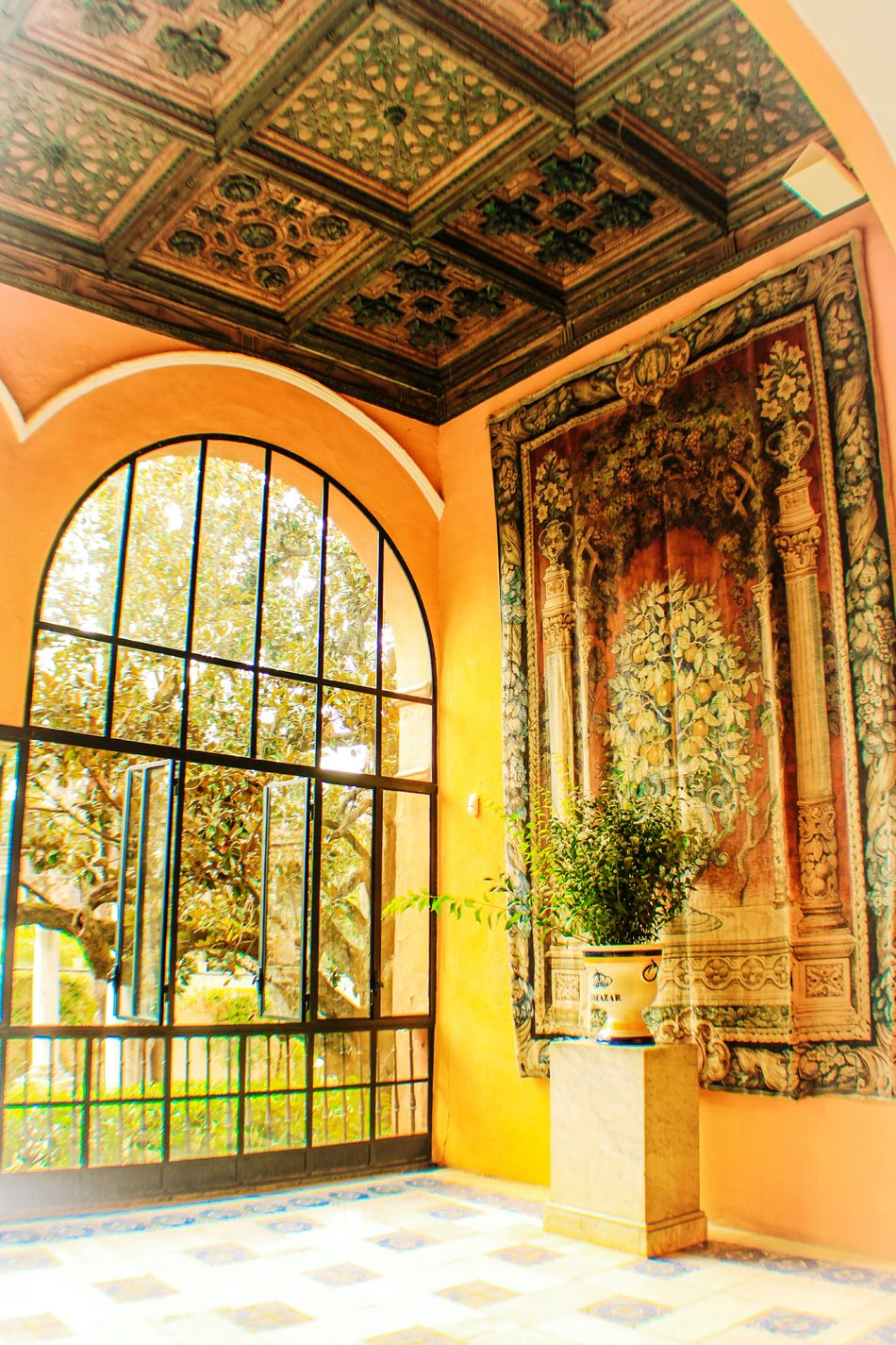 Architecture Indoors  Window Arch Ceiling Flooring Arched Sevilla Sevilla, España Seville,spain Realesalcazares Real Alcazar De Sevilla Tapiz Jarron EyeEm Gallery Travel Travel Destinations Interior Design Check This Out