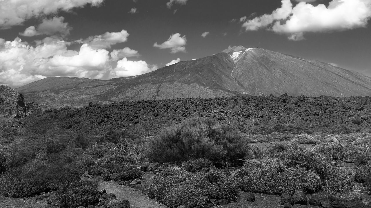 El Teide Nature Cloud - Sky Beauty In Nature Outdoors Landscape Sky Mountain Day Scenics Tranquility Smoke - Physical Structure No People First Eyeem Photo